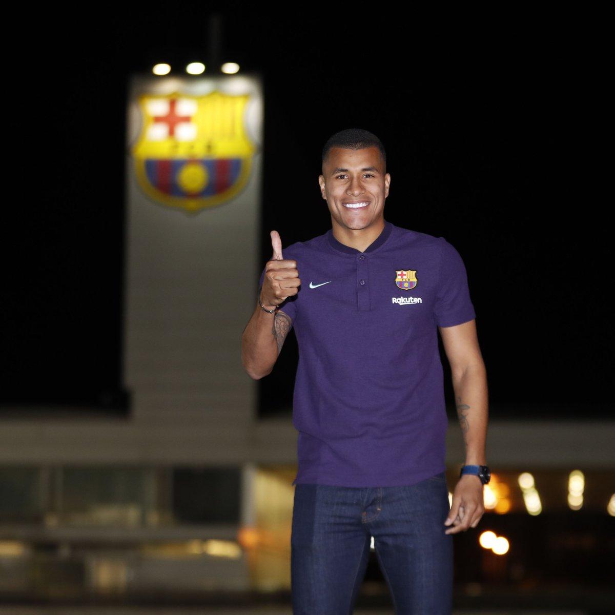 Официально: «Барселона» оформила первый зимний трансфер