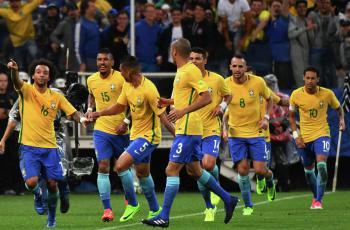 Бразилия обыграла Парагвай и оформила путевку на ЧМ-2018