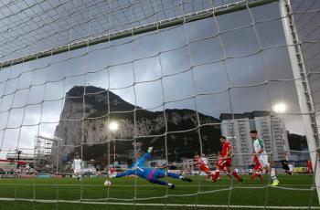 Скала в Гибралтаре панорама фото