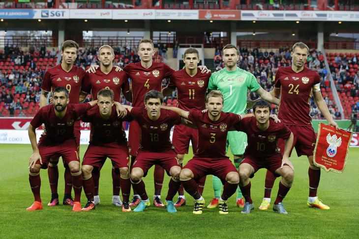 Сборная России потеряла еще 2 позиции в рейтинге ФИФА